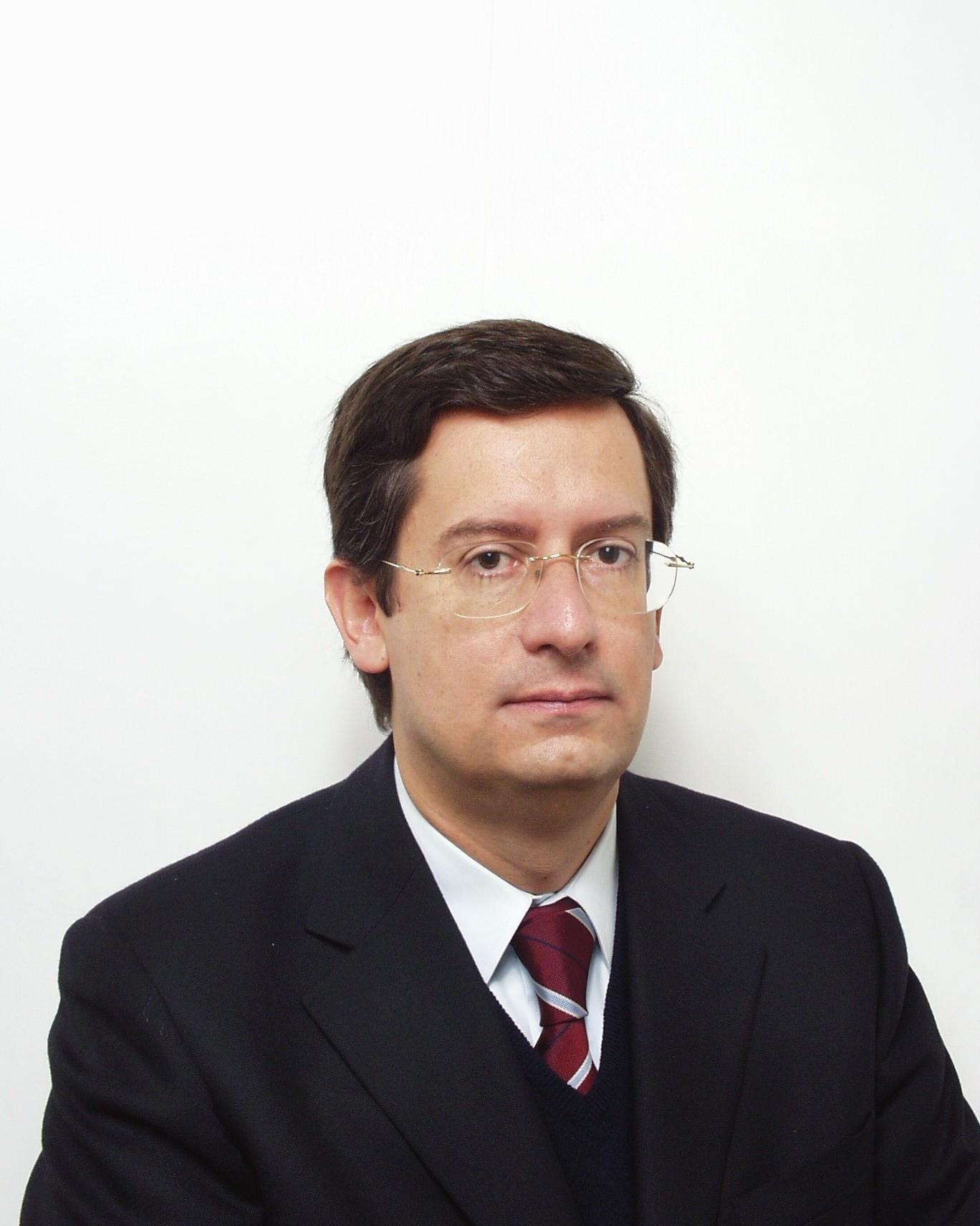 Prof. Dário Moura Vicente