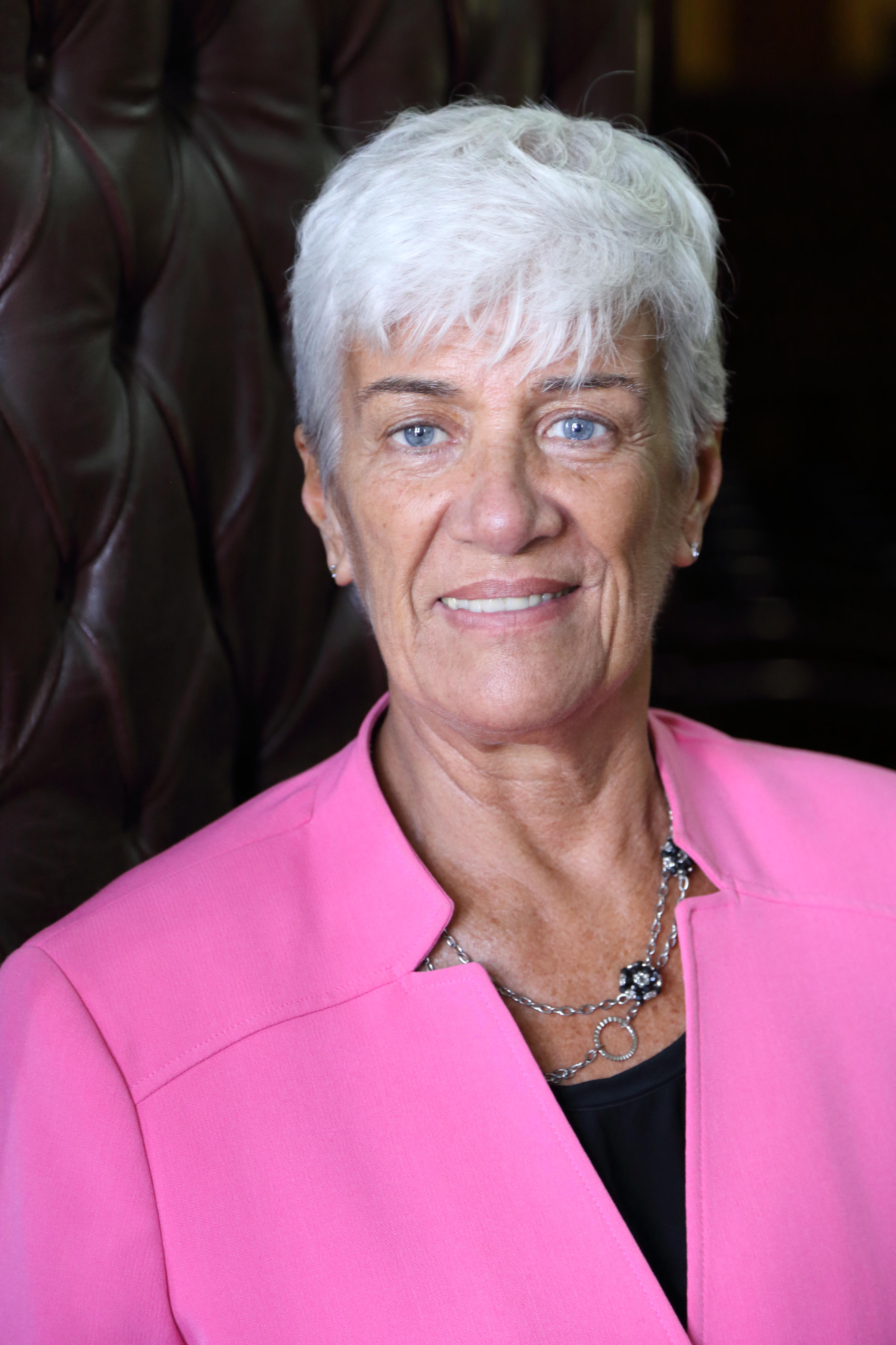 Dr. Mónica PINTO
